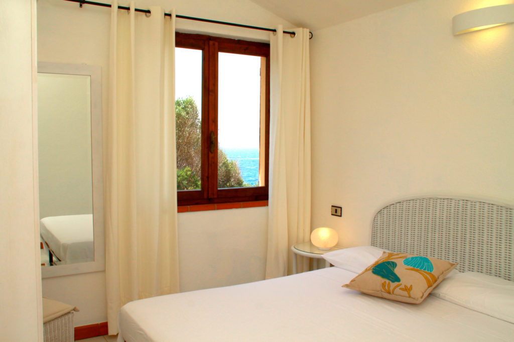 1st double bedroom with sea view